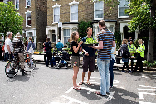 Wilberforce Road plant sale, an urban street event in the London Borough of Hackney - © Pat Tuson/GAP Photos