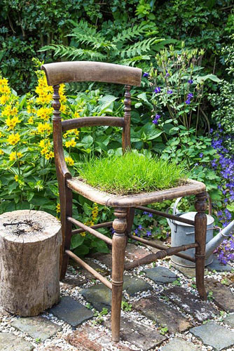 Step by step - creating a turf chair - completed chair