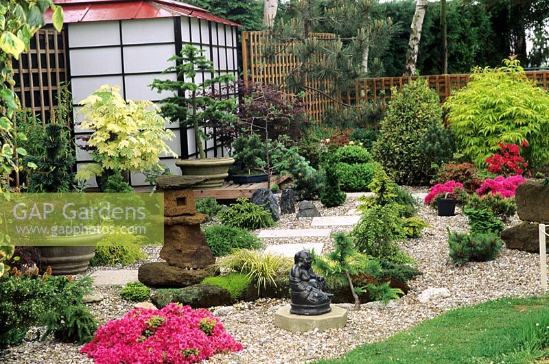 Japanese style garden for Japanese style landscaping