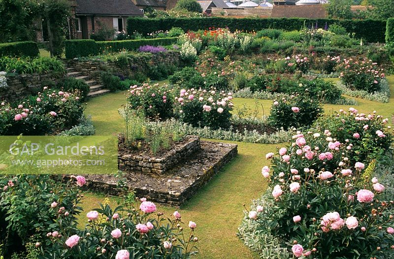 GAP Gardens - The Manor House at Upton Grey in Hampshire. Sunken ...