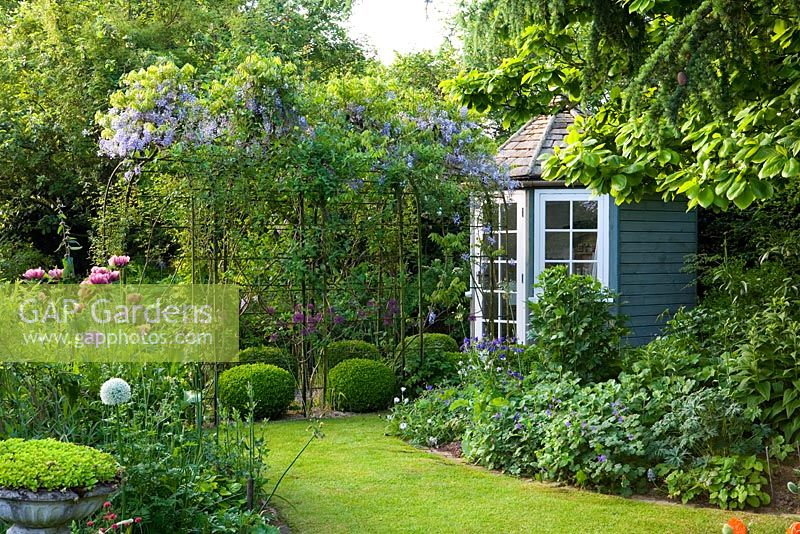 Gap Gardens Summerhouse And Pergola In Small