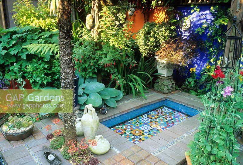 GAP Gardens - Mediterranean style courtyard garden with raised pool ...