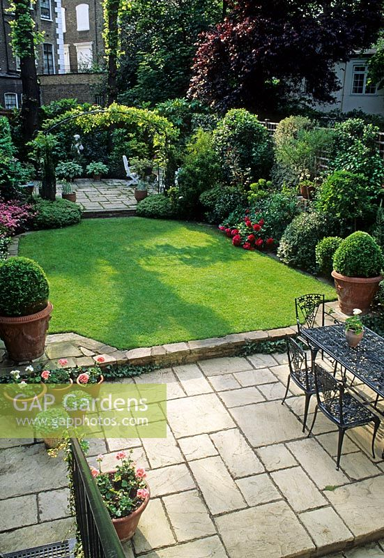 Gap Gardens Small Formal Town Garden With Paved Patio