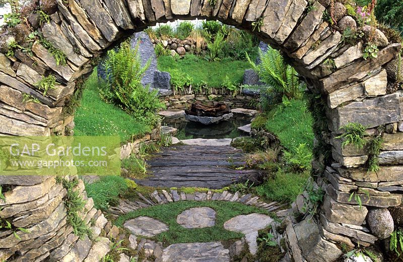 Gap Gardens Circular Stone Arch In The Sacred Celtic