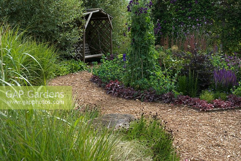 Gap gardens herbaceous border and ornamental grass for Ornamental grass border design