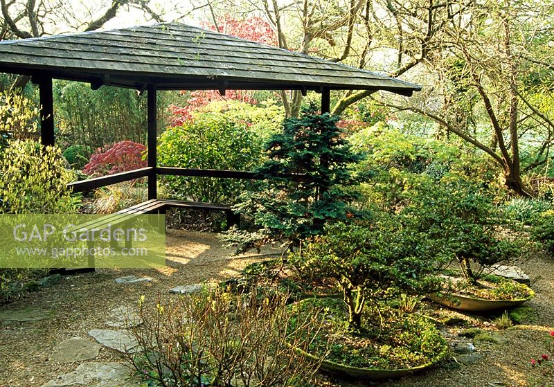 Superbe Triangular Seat With Roof   The Japanese Garden, St Mawgan, Cornwall