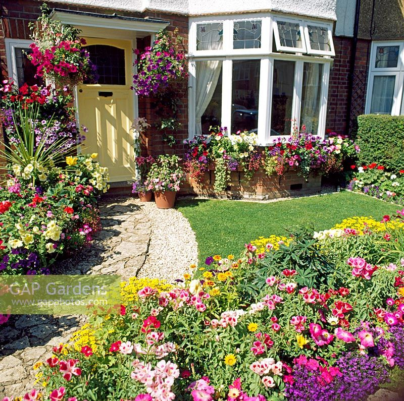 GAP Gardens Traditional English front garden with