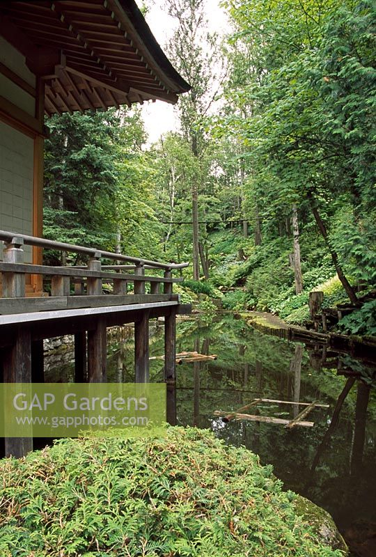 Gap gardens the japanese garden les jardins de quatre for Le jardin des 4 vents