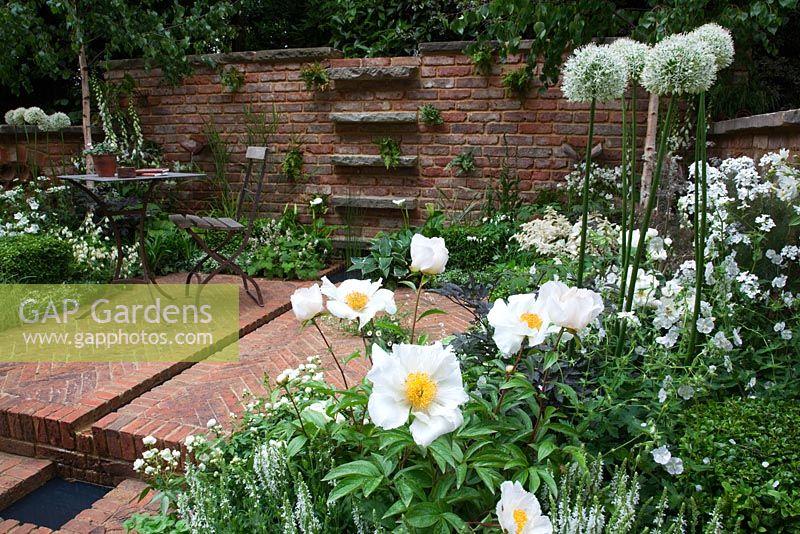 GAP Gardens - White planting scheme including Paeonia lactiflora ...