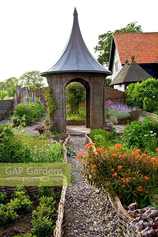 GAP Gardens - Brampton Willow Gardens - Feature by Elke Borkowski ...