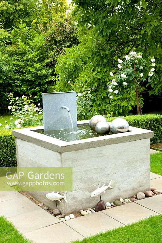Gap Gardens Raised Pond With Fountain Spout And