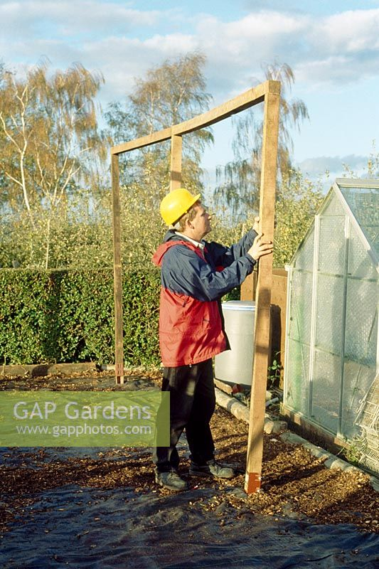 Making a pergola - Uprights should be 10cm x 10cm, these can be used for the cross pieces and attach loosely at this stage