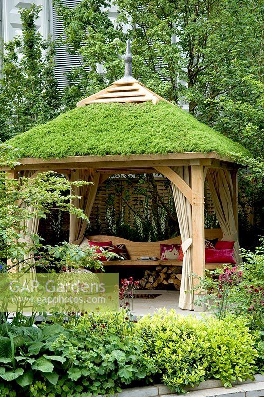 Gap Gardens Wooden Gazebo With Living Roof The Children S Society Garden Gold Medal Winner