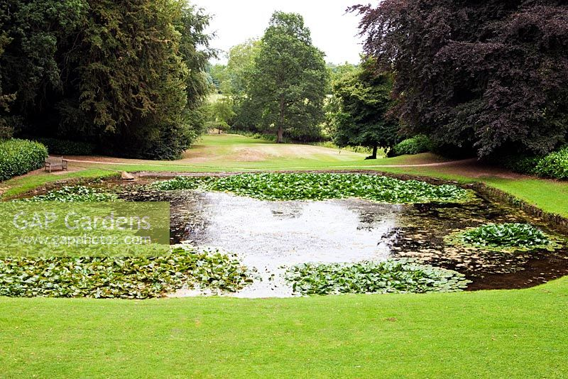GAP Gardens - The Octagon pool at Rousham Park House and Garden ...