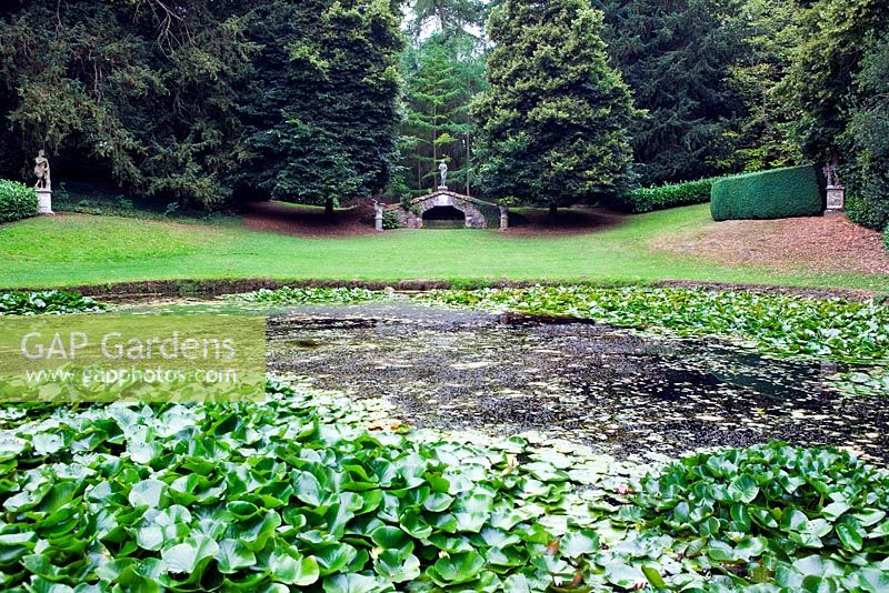 GAP Gardens - View across the Octagonal pool to the Upper Cascade at ...