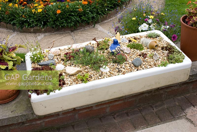 Genial Gap Gardens White Old Stone Sink Planted With Rock Garden Plants