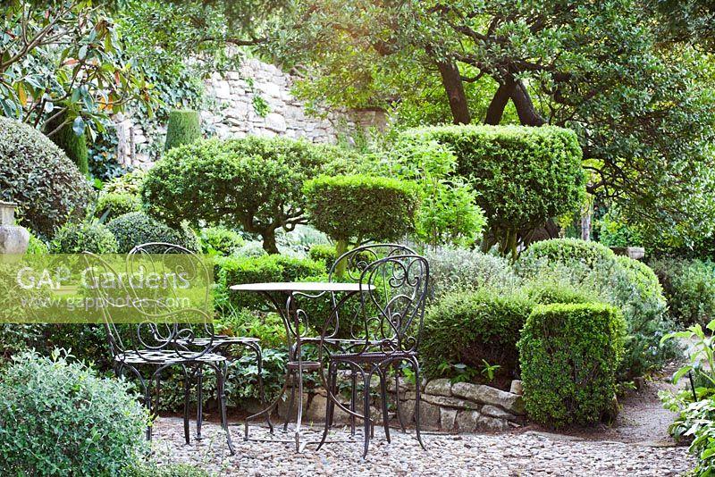 Gap Gardens Patio In The Shade La Louve Garden