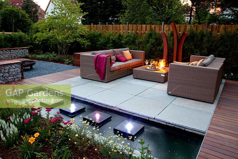 Gap Gardens Garden Architect S Modern Garden Feature