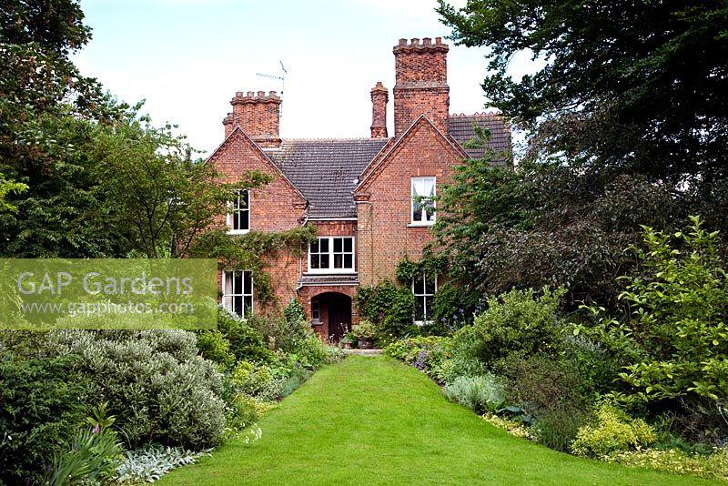 GAP Gardens - The Old Vicarage - Feature by Rachel Warne - GAP ...
