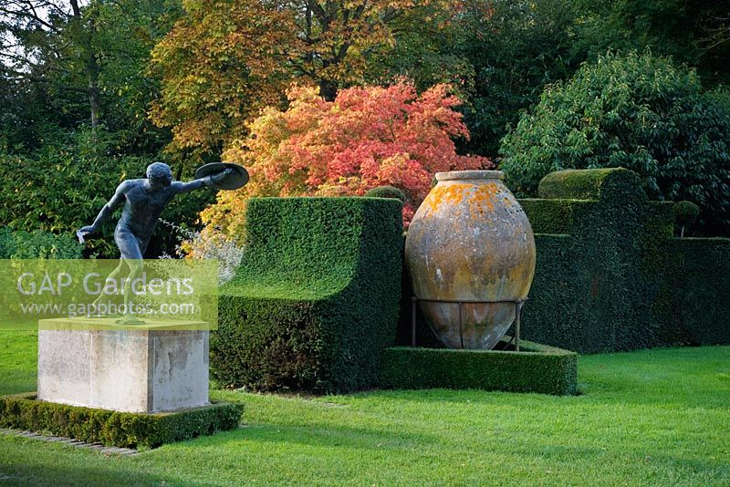 Bronze Borghese Gladiator, large Spanish sherry Jar and topiary, Highgrove Garden, October, 2007.