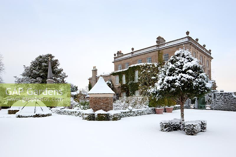 Oblique view of the west front of Highgrove House and Oak Pavillion in snow, January 2010.