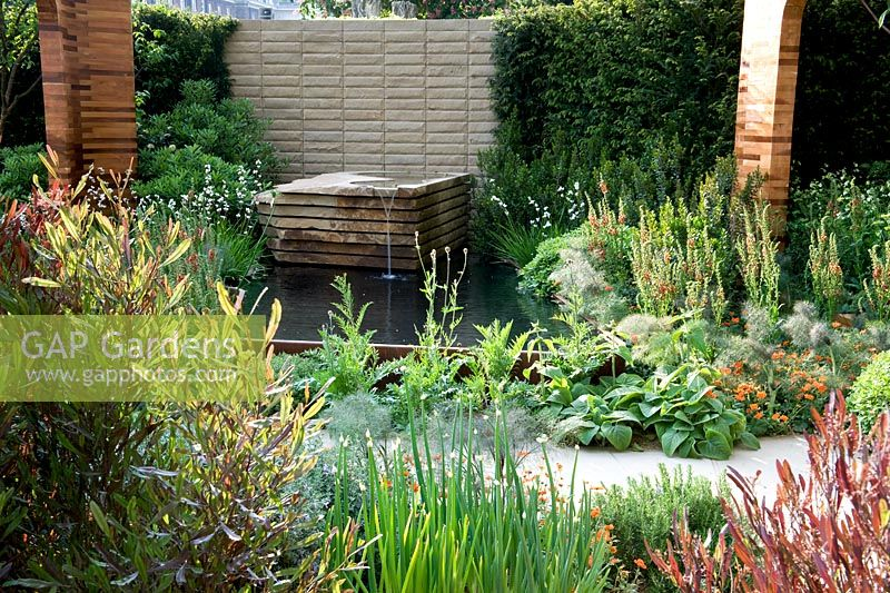 Gap gardens homebase teenage cancer trust garden gold medal winner rhs chelsea flower show - Chelsea flower show gold medal winners ...