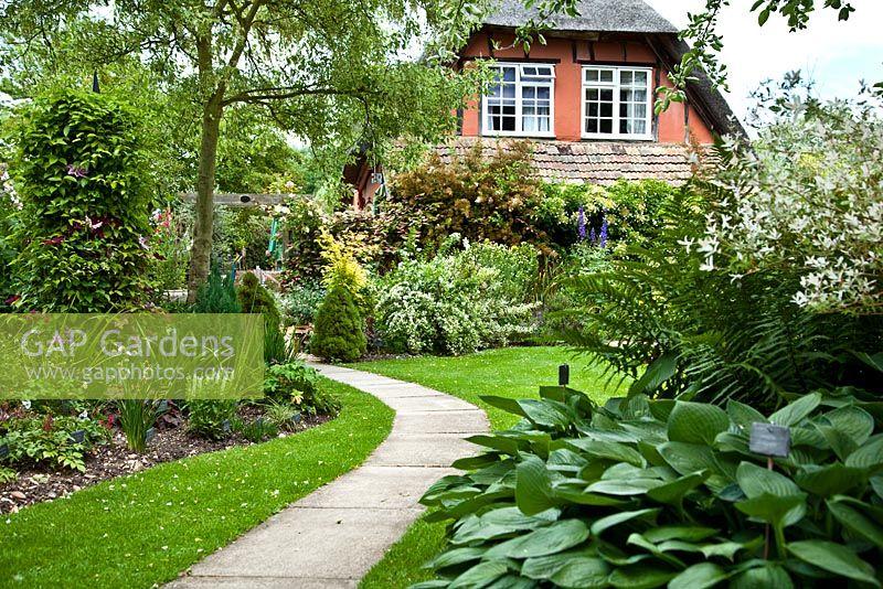 GAP Gardens - Chestnut Cottage - Feature by Rachel Warne - GAP ...