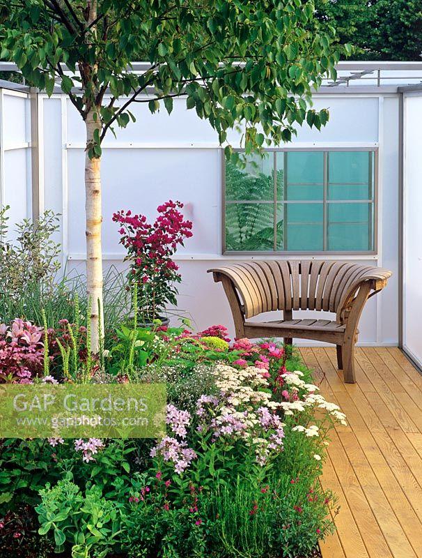 Gap gardens unusual seat in outdoor garden room image for Unusual garden rooms
