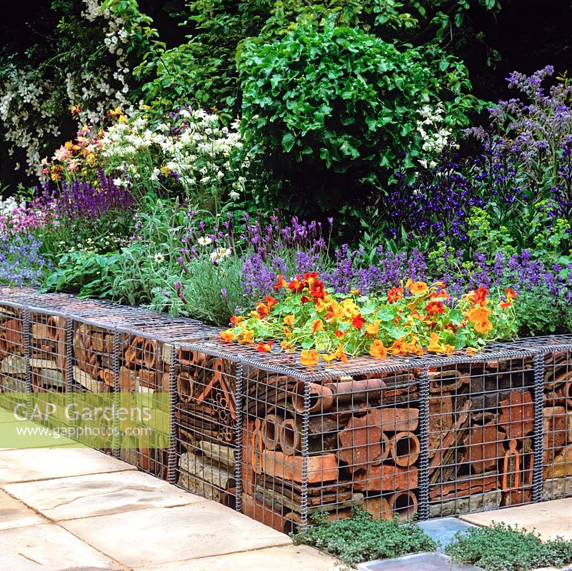 Raised Bed Retaining Wall: Low Retaining Wall Made From Galvanised
