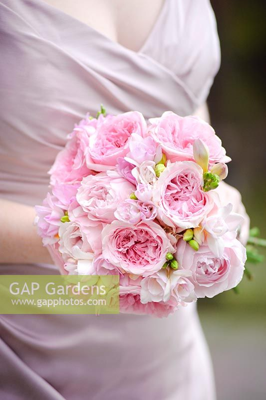 GAP Gardens - Pink roses in a wedding bouquet. Cut flower rose ...