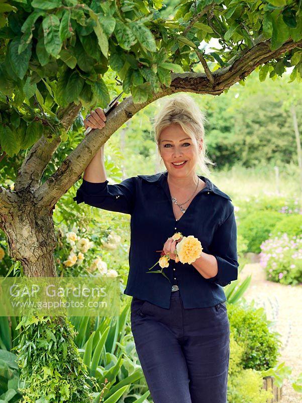 kim wilde british pop star and celebrity gardener in the garden she has created - Wilde Garden