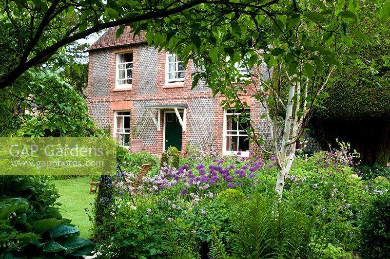 GAP Gardens - Gardeners\' Cottage - Feature by Jacqui Hurst - GAP ...
