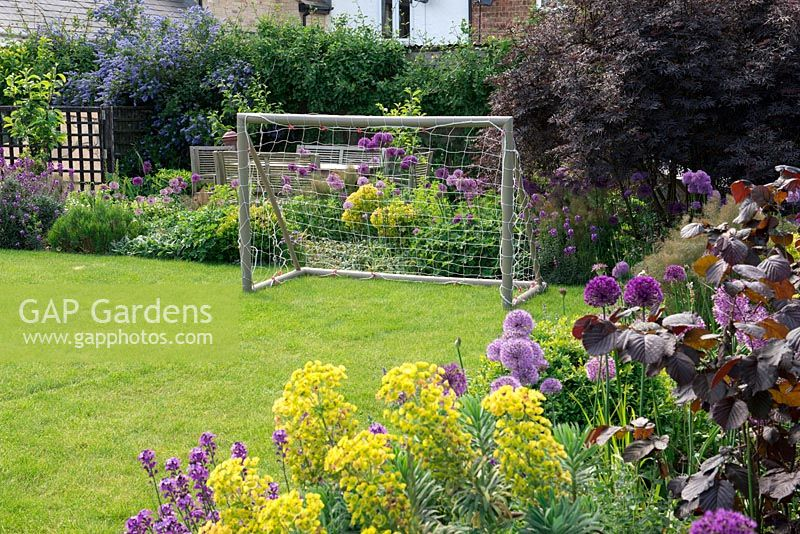 GAP Gardens - A family garden with seating area, lawn and borders ...