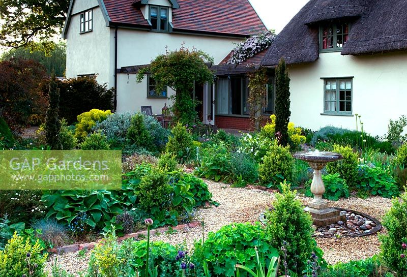 Gap Gardens Thatched And Tiled Country Cottage With A Pergola