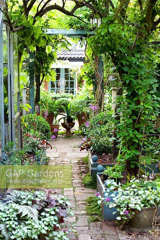 GAP Gardens - Karen Grosch - Feature by Rachel Warne - GAP Gardens ...