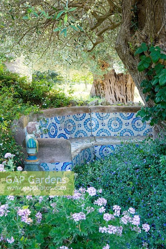 GAP Gardens - A morrocan influenced tiled seating in the arabic ...