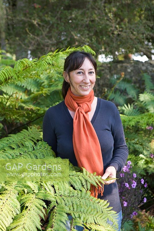 Gap gardens sicily based rachel lamb garden design for Garden consultant