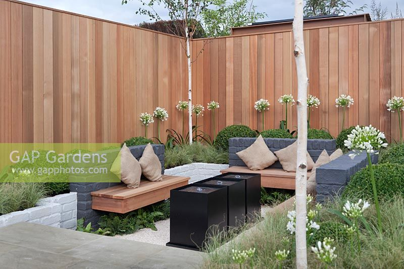 Gap gardens a grey black and white minimalist sunken for Create sunken seating area