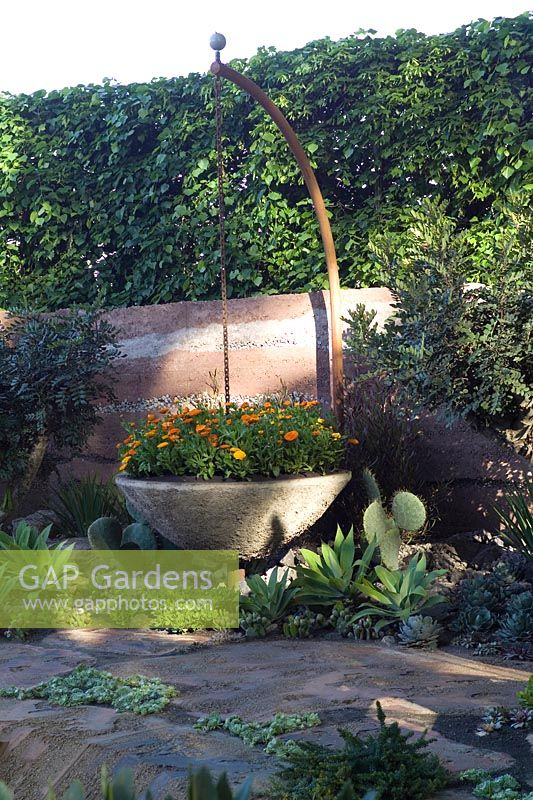 600 Days with Bradstone Sarah Eberle RHS Chelsea 2007 Gold Medal Best in Show