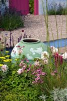 Fade pot with summer planting - BBC Gardener's World Live, 2008