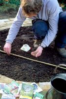 Mini potager - Step 7. Sow a selection of vegetables and flowers or plant ready grown plantlets
