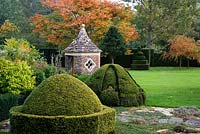 Pepper Pot Pavillion and topiary, Highgrove Garden, September 2007.