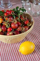 Ingredients for making rosehip jam include rosehips, lemons and water.
