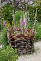 Static planter made from woven willow, Le Potager du Domaine, Estate Vegetable Garden, Festival des Jardins International 2014, Chaumont sur Loire