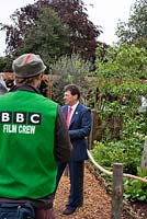 Alan Titchmarsh with BBC film crew at Chelsea. Chelsea Flower Show 2006