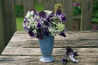 Sweet pea 'Earl Grey' flower arrangement