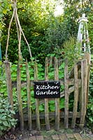Entrance to the kitchen garden. Design: Alie Stoffers