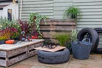 Tools and materials for making tyre planter.