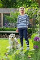 Feature portrait of author Eve Chase in her contemporary city garden