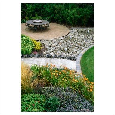 caminos en el jardin 0083593